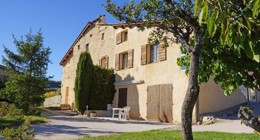 Chambre d'hôtes La Coloniale – Le Castellard Mélan