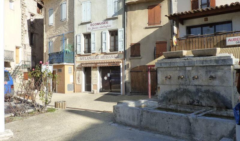 Village de la javie site officiel de l 39 office de tourisme provence alpes digne les bains - Office tourisme divonne les bains ...