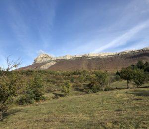 La hameau des Dourbes et le col de Pierre Basse N°3 Les Dourbes