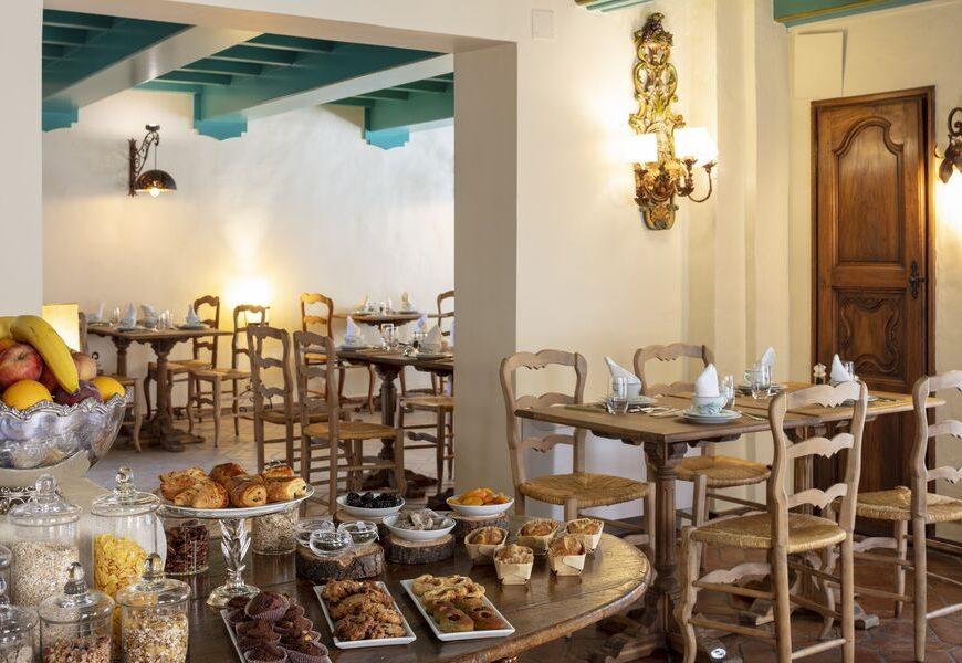 Hôtel-Restaurant La Bonne Etape à Château Arnoux